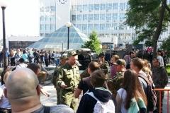У памятника Ленину некоторые из участников акции разговорились с казаками, которые все это время были здесь
