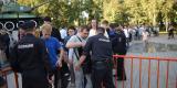 <strong>Полицейские вели досмотр сумок и содержимое карманов желающих посетить митинг</strong>