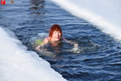 "<strong>""Моржи"" на личном примере призвали заниматься зимним плаванием</strong>"