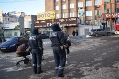 <strong>Сотрудники ДПС перекрыли въезд на площадь Семёновскую</strong>