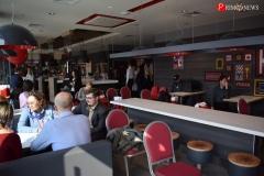 """<strong>Международный бренд с богатой историей и высокой репутацией KFC официально начал свою работу на Дальнем Востоке с ресторана на 86 посадочных мест во владивостокском торговом центре """"Седанка-Сити""""</strong>"""
