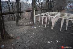 <strong>Забор находится в аварийном состоянии и представляет опасность для тех, кто занимается здесь спортом</strong>