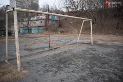 <strong>После малейшего дождя на футбольном поле грязь и слякоть и без специального покрытия играть в футбол мягко говоря не хочется</strong>