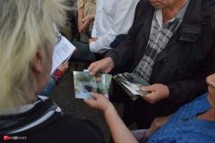 <strong>Несколько десятков жителей домов №83, №85/1 и №85/2, №87/1 и №87/2, а также №101 по Океанскому проспекту во Владивостоке вышли на собрание в понедельник, 25 сентября</strong>