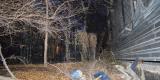 <strong>Справа забор развернувшейся стройки, а слева забор детской площадки, которая расположена напротив жилого дома по ул. Пологая 24</strong>