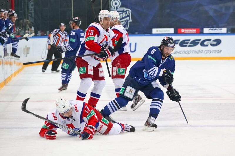 Вновь не повезло: хоккеисты «Адмирала» проиграли по буллитам «Локомотиву»