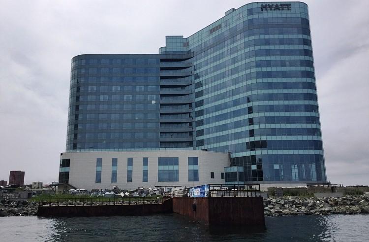 Тарасенко: недостроенный отель во Владивостоке оказался «лакомым кусочком» для аукционистов