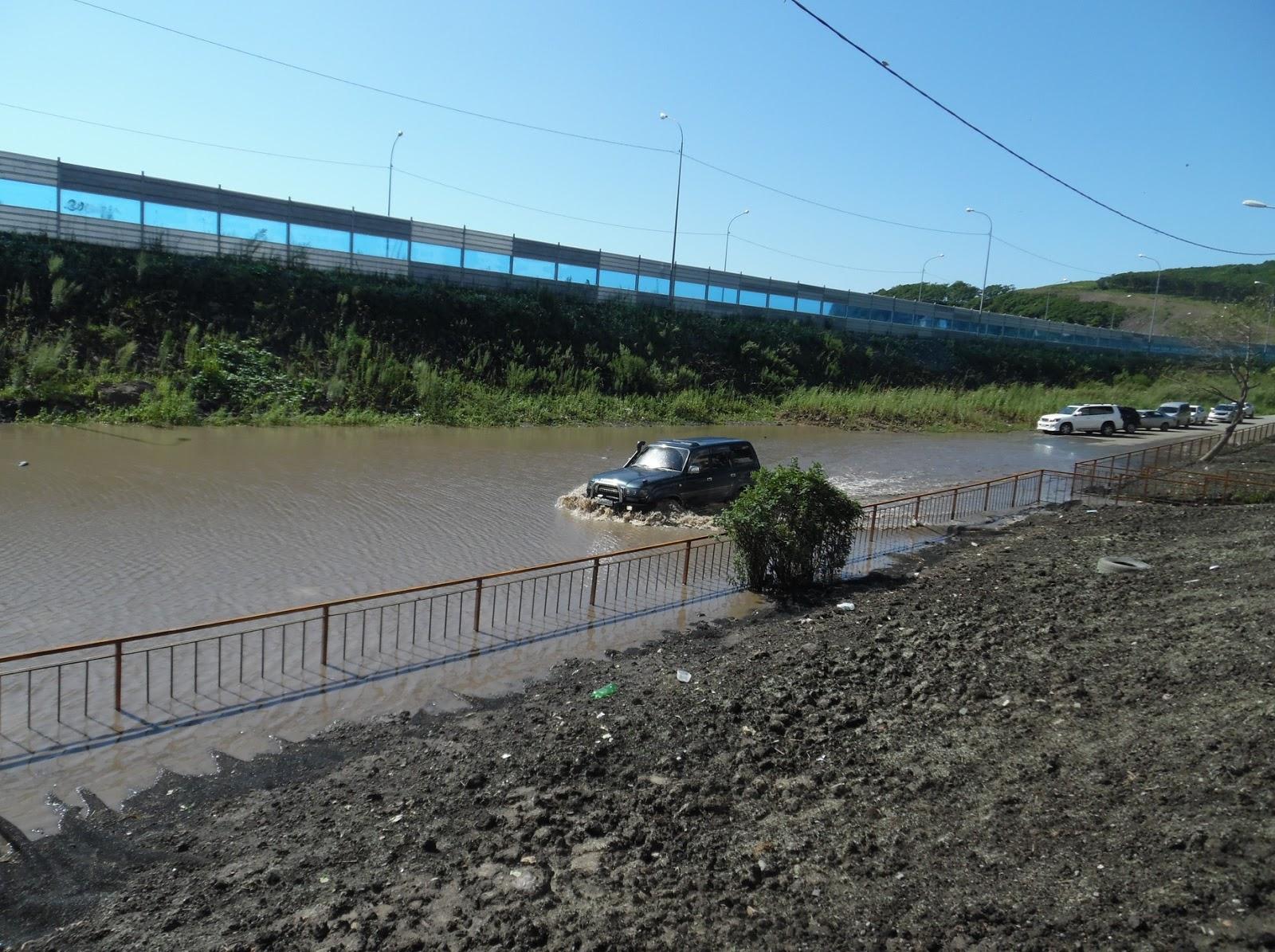 Внутреннее «море» площадью 4000 кв. м образовалось на месте одной из дорог Владивостока