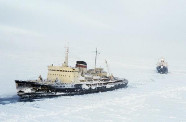 Состоялась премьера фильма-катастрофы о ледоколах «Михаил Сомов» и «Владивосток»