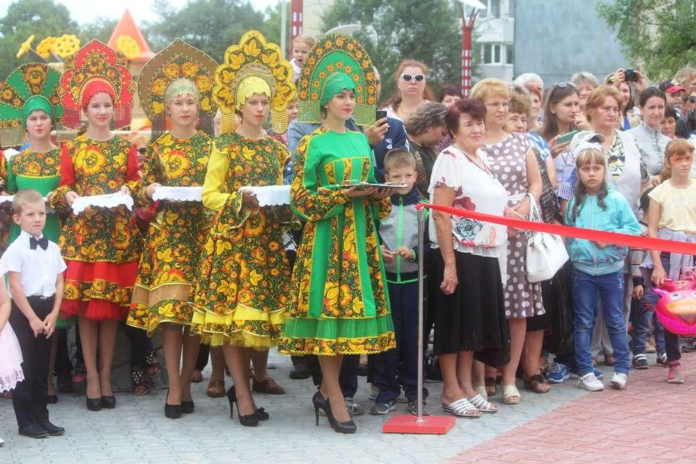 В Уссурийске на улице Стаханова открыли новый сквер