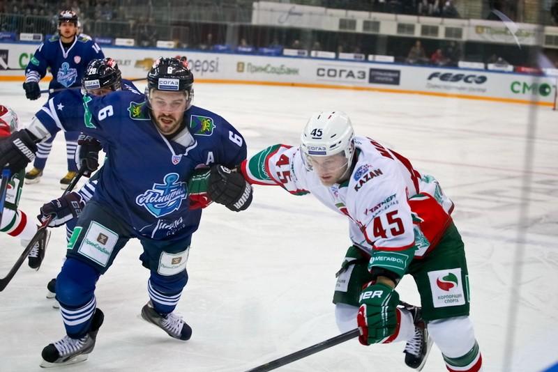 Хоккеисты «Адмирала» упустили победу над «Ак Барсом»