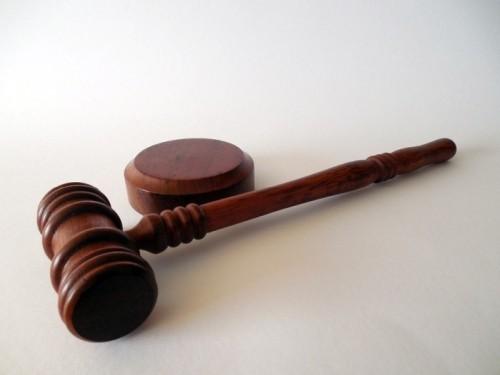Артёмовский суд вынес приговор группе лиц, занимавшихся вовлечением несовершеннолетних в занятие проституцией