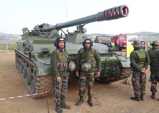 На полигоне в Приморье для индийских военных устроили показные занятия по огневой подготовке