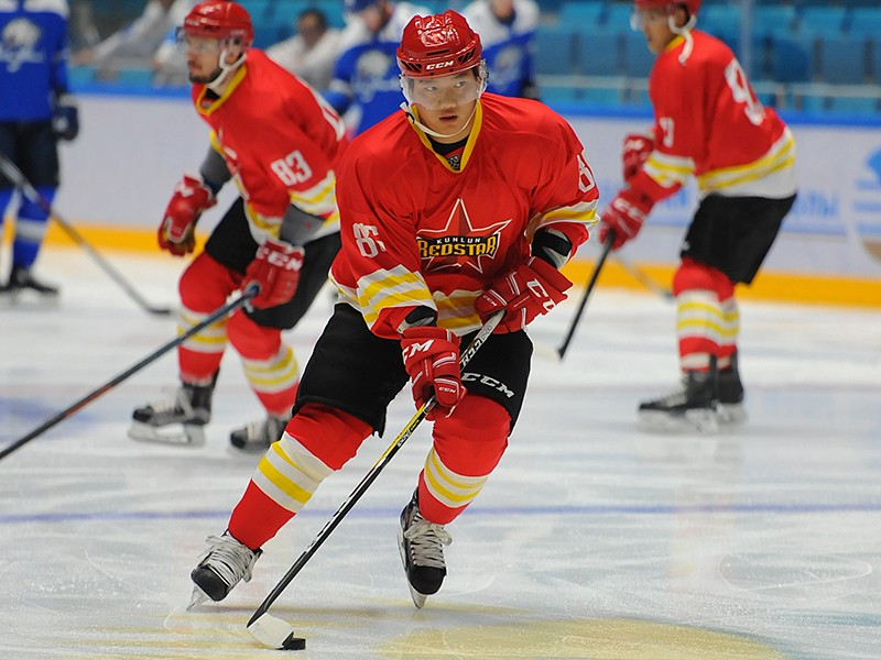Хоккеисты «Адмирала» проиграли китайцам