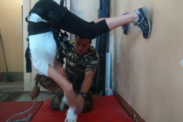 Спецназовцы преподали юным приморцам азы альпинизма