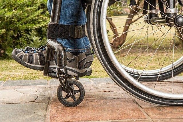 Очередная проверка показала, что инвалиды не смогли попасть в торговые центры Владивостока