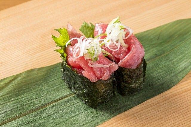 В Артёме стали периодически громить суши-бары