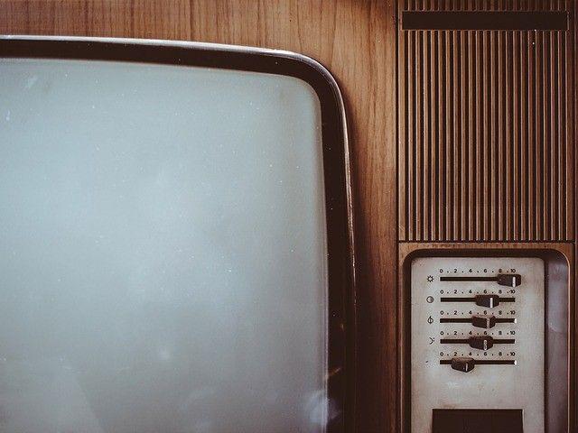 Во Владивостоке пенсионерам помогают настроить цифровое телевидение — мэрия