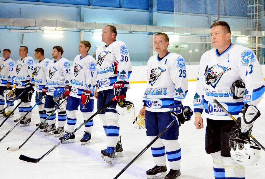 В Приморье стартовала Ночная хоккейная лига