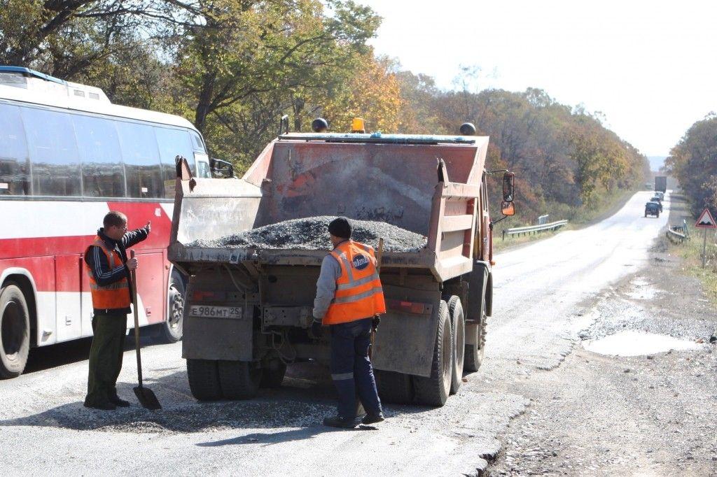 В Приморье взялись за ремонт многострадальной дороги Артём — Находка