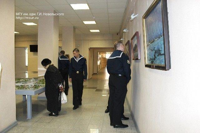 Во Владивостоке открылась выставка Народного художника России Ивана Рыбачука
