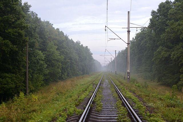 Мыс Чуркин и  Жигулёвское Море соединила железная дорога