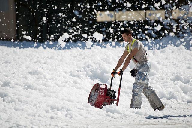 Во Владивостоке отстранили от должности руководителя предприятия по уборке снега