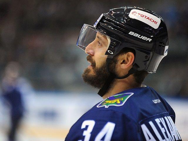 Хоккеисты «Адмирала» победили в Ханты-Мансийске