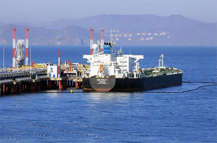 В сентябре Россия поставила КНДР 2136 тонн светлых нефтепродуктов