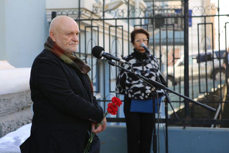 Открылась новая выставка приморского художника Сергея Черкасова