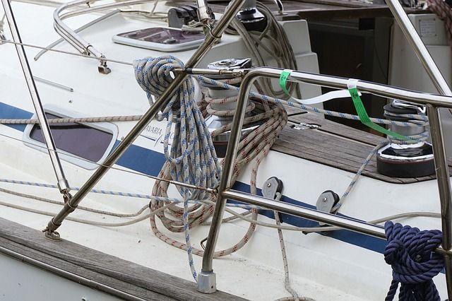 Яхта администрации Приморья будет зимовать в Золотом Роге