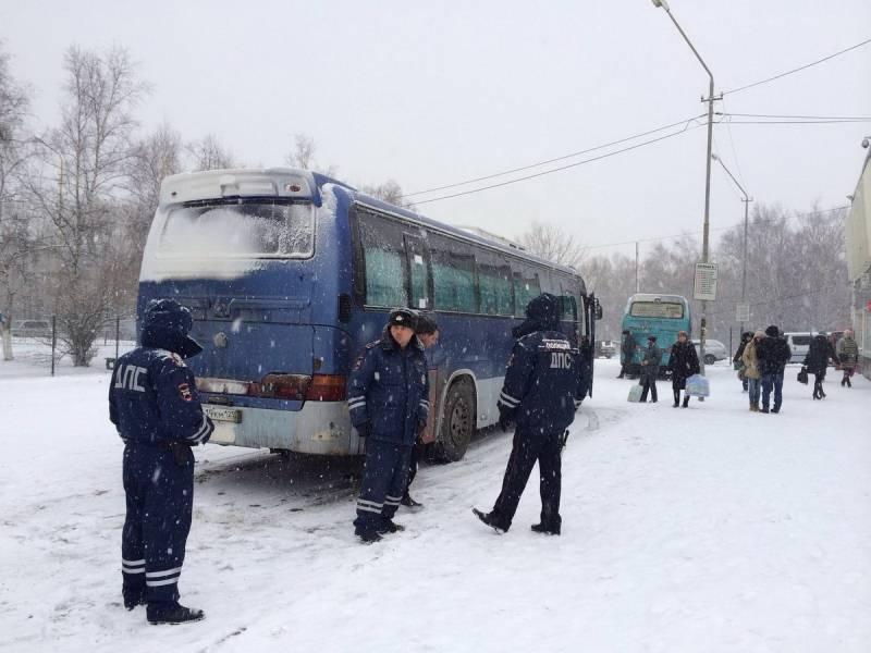 В Артёме сотрудники ГИБДД привлекли к административной ответственности 18 водителей автобусов