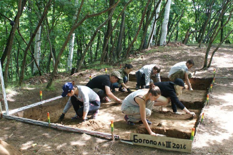 Реконструкцией древней истории Восточного Сихотэ-Алиня занялись археологи ДВФУ