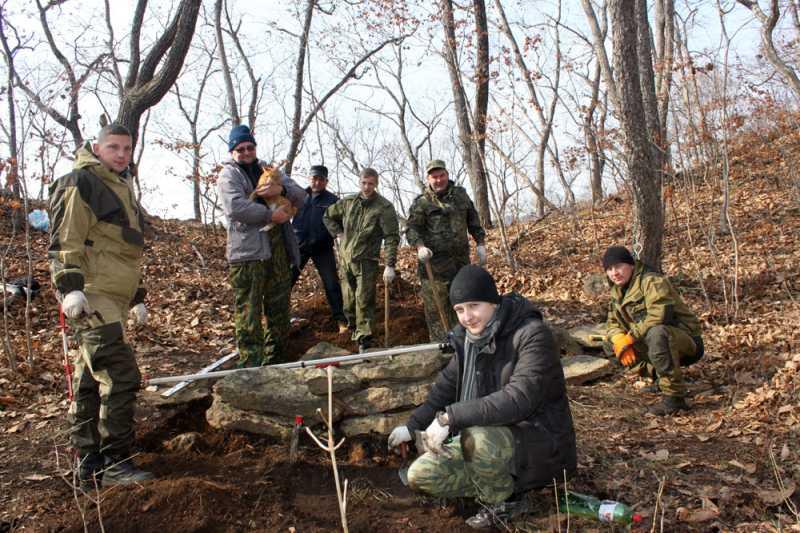 Археологи ДВФУ обнаружили в черте Владивостока загадочные каменные кладки