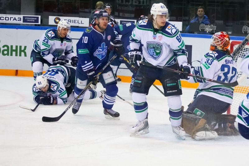 Хоккеисты «Адмирала» дома победили «Югру»