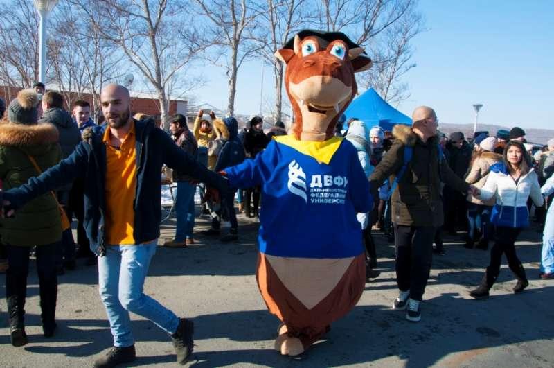 В ДВФУ отметили Татьянин день русскими народными гуляниями