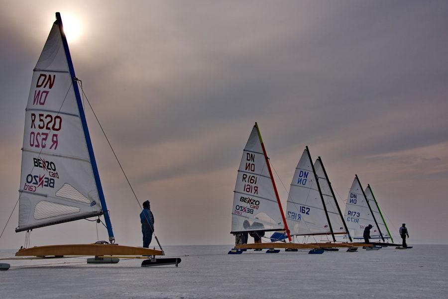 По льду Амурского залива вновь поедут буера