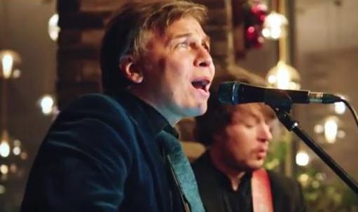 Опубликован «новогодний» видеоклип «Мумий Тролля» на песню «Грильяж»