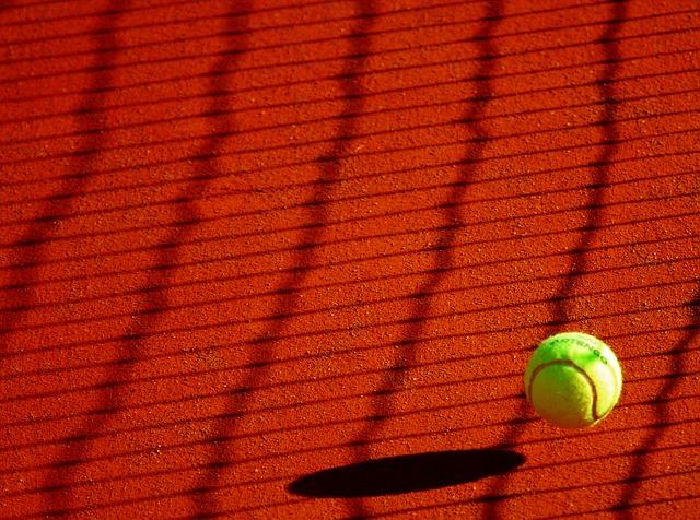 В большой теннис во Владивостоке играли юные дальневосточники