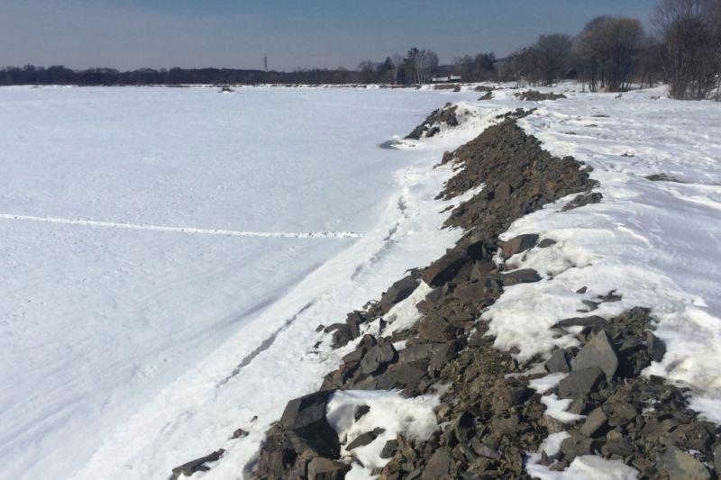 На берегоукрепление приморского села Вострецово направлено более семи млн рублей