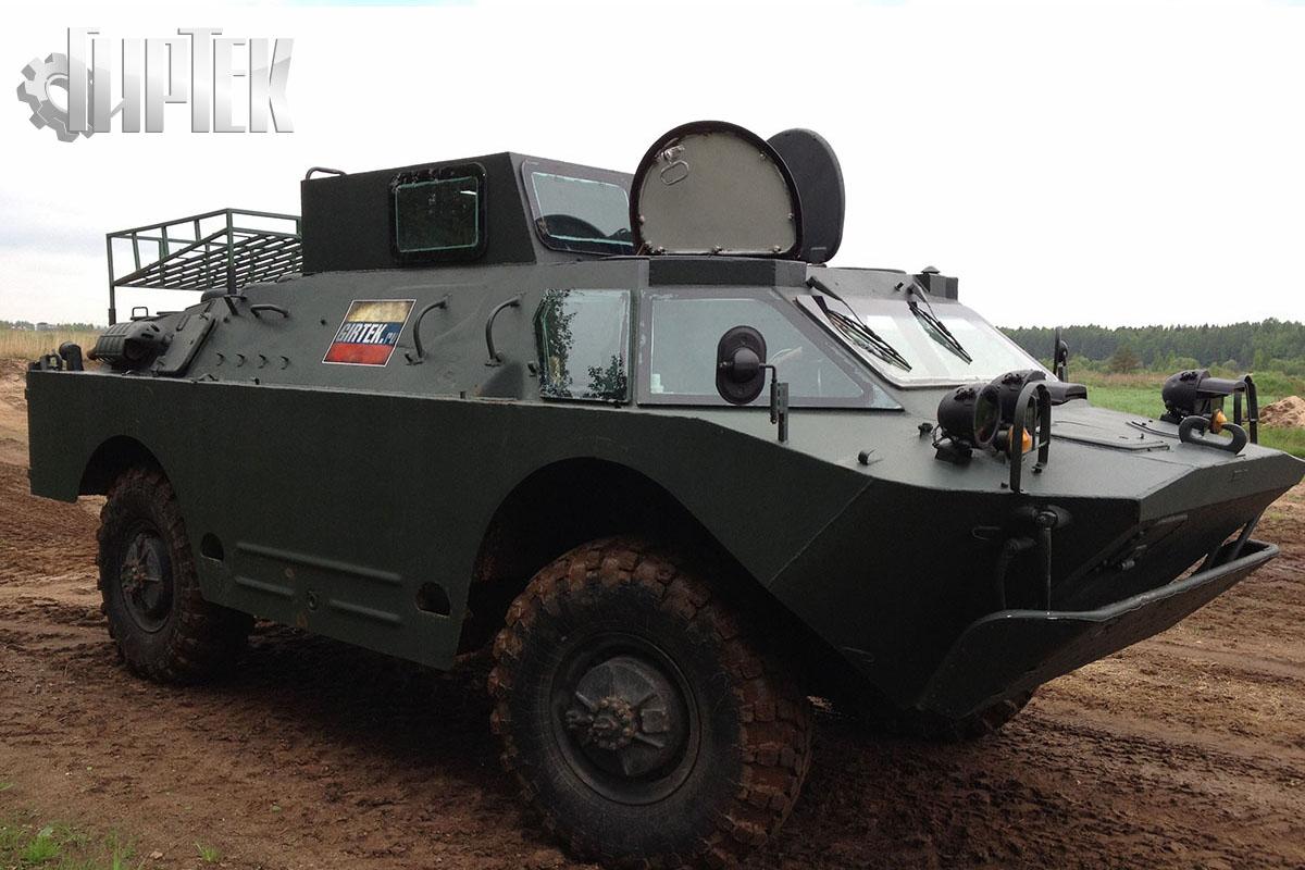 В Приморье БРДМ и экскаватор «освободили» грузовик буровиков из «плена»