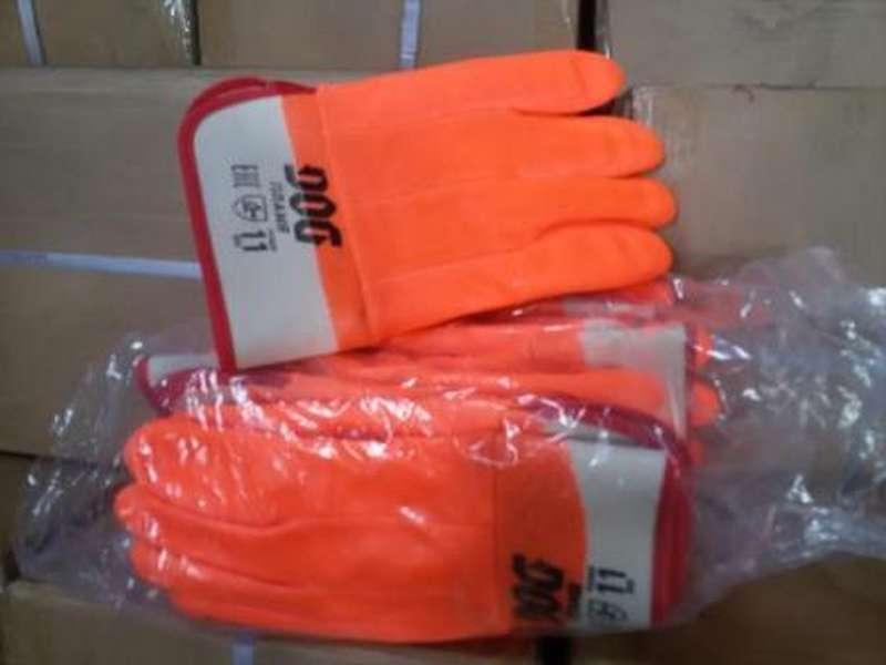 Находкинские таможенники задержали около 30 тыс. контрафактных перчаток