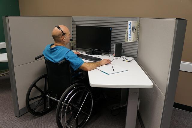 В Приморье занялись трудоустройством инвалидов