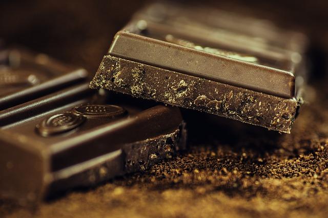В Приморье переполох: в «губернаторских» подарках для детей одну шоколадку срочно меняют на другую