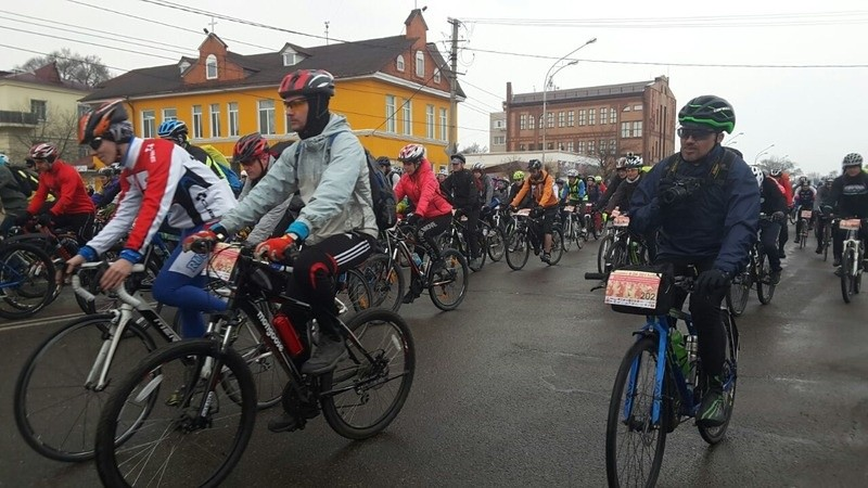 В Уссурийске прошёл велопробег посвящённый погибшим в локальных войнах
