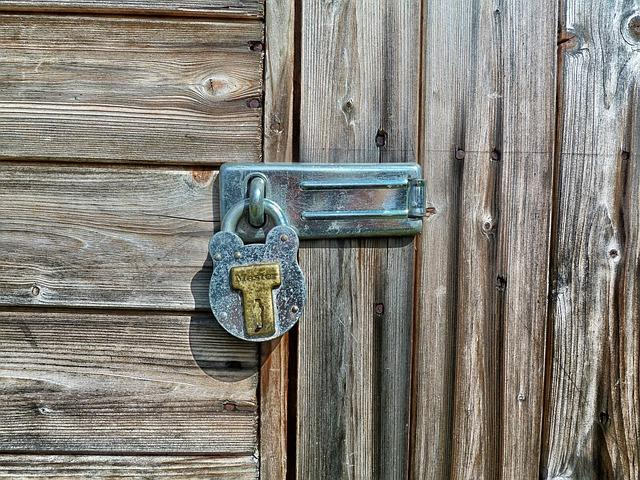 В Приморье у инвалида украли металл