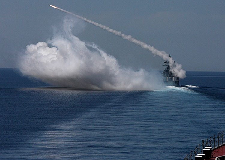 Корабельные силы, авиация и расчёты БРК «Бастион» ТОФ провели в Приморье совместную тренировку