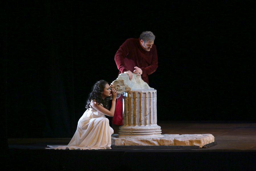 Во Владивостоке представят знаменитый оперный спектакль «Риголетто»