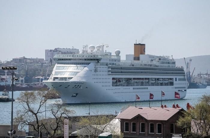 Во Владивосток прибыл круизный лайнер «Costa Victoria»
