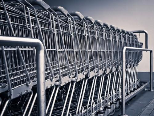 Во Владивостоке за долги арестовали супермаркет
